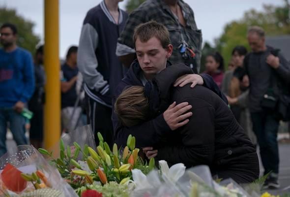 Cabaran media sosial: Tengok sikit, tapi pilih kongsi video serangan Christchurch